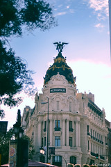 (Criswwwis.) Tags: madrid metropolis spain building arquitectura blue sunlight afternoon white city nikon