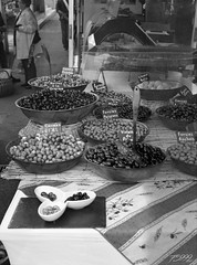 Olives (fs999) Tags: fs999 fschneider aficionados zinzins pentax 645 645n pentaxist pentaxian justpentax 6x45 film camera filmcamera 60x45 ashotadayorso topqualityimage topqualityimageonly artcafe pentaxart corel paintshoppro paintshopprox9ultimate x9ultimate rollei rpx 400 rpx400 rolleirpx400 400iso blackwhite blackandwhite bw noirblanc noiretblanc nb blackwhitephotos caffenol cl cold stand home development epson perfection v500 scanner 3200dpi betterscanning touraine france langeais pentaxfa64545mmf28ed fa45 45mm