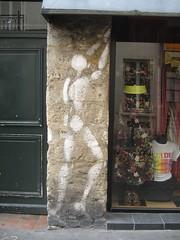 Jérôme Mesnager (emilyD98) Tags: street art insolite rue mur wall jérôme mesnager mouffetard 5 ème 75005 paris silhouette personnage urban exploration city ville