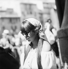 Girl with sunglasses @ Florence (PaulHoo) Tags: florence firenze italy tuscany 2017 dof bokeh girl woman lady sunglasses summer kowasix mediumformat 120film analog film filmisnotdead candid streetphotography city citylife people person