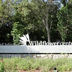 Entrance to the Lady Bird Johnson Wildflower Center in Austin, Texas thumbnail