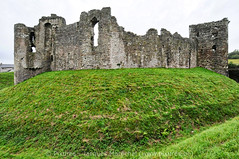 Welsh Castles - Châteaux du Pays de Galles (marechal jacques) Tags: paysdegalles wales greatbritain castles castell ruins towers middle ages fortresses history historical mediaeval châteaux forteresses fortifications ruines moyenage médiévales donjons remparts ramparts strongholds fortifiées forts histoire citadelles schlösser schlosses burgen kasteel castel ruin fortress zitadelle geschichte stadtmauern mittelalterlichen mittelalter tours