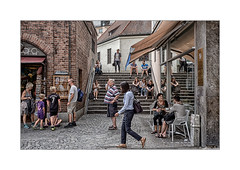München_Street (Fujigraf) Tags: münchen stadt street menschen dimaria kits kinder frauen männer kaffee treppe kirche pflaster