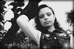 _MG_9196 (josespektrumphotography) Tags: blancoynegro parque mujer arbol linda hermosa ángulobajo pose josespektrumphotography