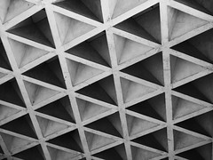 Triangles Go Up (Rantz) Tags: australia australiancapitalterritory canberra dikaiosyne monochrome rantz texture textures parkes au