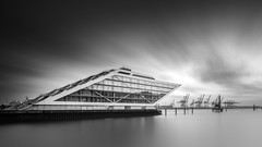 Docklands Tranquility (frank_w_aus_l) Tags: hamburg germany monochrome bw blackandwhite nikon df architecture docklands longexposure tranquil tranquility calmness deutschland de