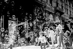 Davide Baronchelli-7 (A. C. Officina Fotografica) Tags: baronchelli davide bolle sapone bambini giochi