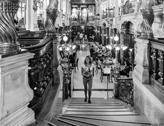 Cafe New York II - Budapest (Joaquín Mª Crespo) Tags: byn blackwhite bw blancoynegro blackandwhite monocromo monumentos bares café callejeo streetphoto fuji fujifilm xpro2 xf1024 budapest