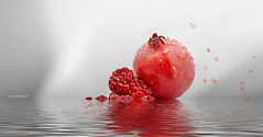 Pomegranate (Roy Mildor - CEO RM ART OF POSES) Tags: roymildor photography art fruit water granatapfel wasser frucht obst still sharingart
