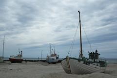 granelli di sabbia ...sand grains... (alesolofoto) Tags: danimarca denmark lokken boat barche