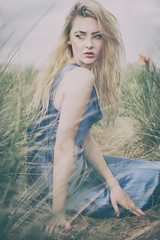 8730 (gcu_sketcher) Tags: xt1 xf1655 amberfarndon model availablelight retro vintage dunes beauty beach outdoors location summer afternoon analogefexpro portrait bluedress fashion grass sand path seaside devon