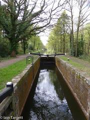 Frimley Lock, Basingstoke Canal (Iain Targett) Tags: 50walksinsurreyjessopsjauntthebasingstokecanal water