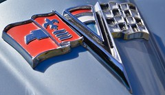 Macro Mondays ~ Three (shireye) Tags: macromondays three 1964corvettestingray chevrolet chev macro monday emblem fleurdelis comoxvalleyclassiccruisers vancouverisland bc britishcolumbia nikon d610 24120 ff fullframe fx convertible