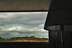8 de 100 razones por las que me gustan las nubes:  Las veo desde mi ventana (Ester Arrebola Bravo) Tags: paisaje nubes ventana