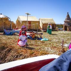 Kids (MastaBaba) Tags: peru pe puno titicaca uros island islands girls kids 20170710