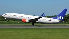 LN-RRF (AnDyMHoLdEn) Tags: sas scandinavian 737 egcc airport manchester manchesterairport 23l