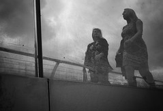 there is more than just talk about the weather (Erwin Vindl) Tags: thereismorethanjusttalkabouttheweather streetphotography streettogs candid blackandwhite london erwinvindl olympusomd em10markii