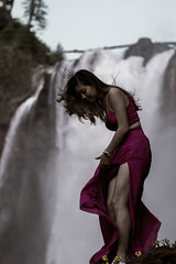 Princess of the wind (Greenneck) Tags: portrait outdoors nature waterfalls snoqualmiefalls girl dress fashion naturallight outdoorportrait fitness legs wind coolfallcitywashingtonunitedstatesus