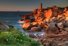 Ploumanach Sunset (hapulcu) Tags: bretagne brittany france francia frankreich frankrijk fransa ploumanach lighthouse sunset