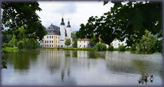 Schloss Blankenhein - Castle Blankenhein (Karabelso) Tags: water trees green lock sky shadow reflection lake wasser bäume grün schloss himmel schatten spiegelung see sony alpha 33