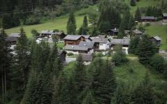 Mottec 1550 mètres, Val d'Anniviers (bulbocode909) Tags: valais suisse mottec valdanniviers zinal villages chalets forêts arbres montagnes nature vert