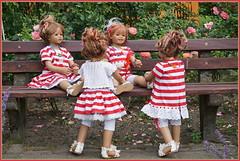 Bankgespräche ... (Kindergartenkinder) Tags: seppenrade sanrike tivi rosengarten blumen personen kindergartenkinder garten blume park frühling annette himstedt dolls milina annemoni jinka