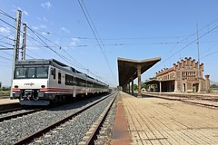 592 en Algodor dirección Madrid (Javirenfe251.004.8) Tags: renfe trenes algodor toledo diesel trains 592 mediadistancia trainspotter trainspotting