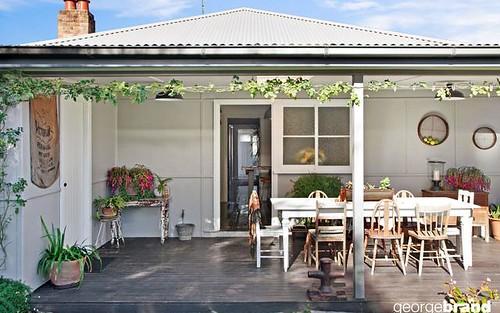 8 Lushington St, East Gosford NSW