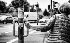 On hold. (Mister G.C.) Tags: street photography streetphotography blackandwhite bw monochrome urban candid photograph image shot people hand arm unposed town city nikon d5300 dslr nikkor 50mm 50mmf18g prime lens mistergc schwarzweiss strassenfotografie niedersachsen lowersaxony germany deutschland europe