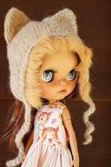 DSC02831 (Lindy Dolldreams) Tags: blythedoll doll girl wren jiajiadoll kitty hat chassycatcustom