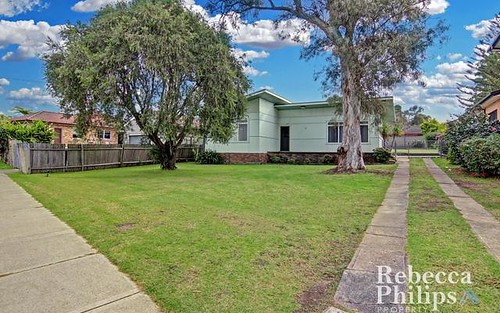 12 Warman St, Pendle Hill NSW 2145