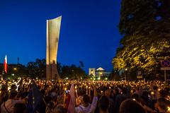 A pro-democracy rally in Warsaw (Piotr_PopUp) Tags: warsaw warszawa łańcuchświatła akcjademokracja sejm wiejska wolnesądy chcemyweta poland polska democracy judiciary protest rally candlelit demokracja piswon