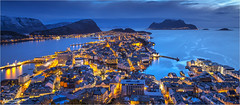 Ålesund blues, Norway (AdelheidS Photography (at work in Scandinavia now)) Tags: adelheidsphotography adelheidsmitt adelheidspictures architecture alesund aalesund ålesund aksla city cityscape canoneos6d coast bluehour blue evening norway norge noorwegen norwegen noruega norvegia nordic norvege norden lights citylights cityview sea landscape water