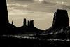 _MG_1525 (gaujourfrancoise) Tags: unitedstates etatsunis monumentvalley arizona utah navajonation navajopark réservedesnavajos indiens monoliths monolithes westerns coloradoplateau plateauducolorado blackwhite bw noiretblanc nb gaujour