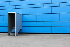 into the blue (WitoWutz) Tags: architecture wall door stais exit blue panels minimal simple clean schlieren kantonzürich