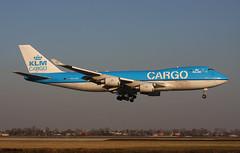 KLM Royal Dutch Airlines 747-406F(ER) PH-CKB / AMS (RuWe71) Tags: klmroyaldutchairlines klklm klm koninklijkeluchtvaartmaatschappij klmcargo airfranceklm theflyingdutchman boeing boeing747 b747 b747f b744 boeing747400 boeing747406 boeing747406f boeing747400f jumbo boeing747406fer phckb cn336951328 netherlands nederland holland amsterdamschipholairport amsterdamschiphol schiphol schipholairport schipholamsterdam ams eham polderbaan martinair mpmph planes airport spotter aviation vliegtuig luchthaven engines runway landing finals airliner aircraft avions aéroport aéronefs spotting aeroplane jetliner jet sunset dusk goldenhour flugzeug flughafen planespotting freighter cargo leeuwin cargoaircraft winglets widebody aeropuerto aviónes thequeenoftheskies planespotter avgeek ruwe71 aviationphotography heavy canon canonphotography