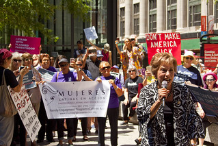 Congresswoman Jan Schakowsky Illinois 9th District Our Lives Are on the Line Health Care Rally Chicago 7-29-17 2036