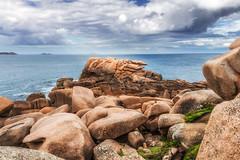 Ploumanac'h (zqk09) Tags: france bretagne tourisme canon 1300d love mer beach rocher rock paysage landscape cloud nuage nature bleu water rayon soleil