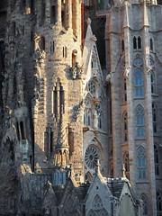 Sagrada Família (tgrauros) Tags: sagradafamília templeexpiatoridelasagradafamília barcelona catalunya arquitectura basílica church catalonia cataluña katalonia katalonien katalonija katalánsko catalogne catalogna