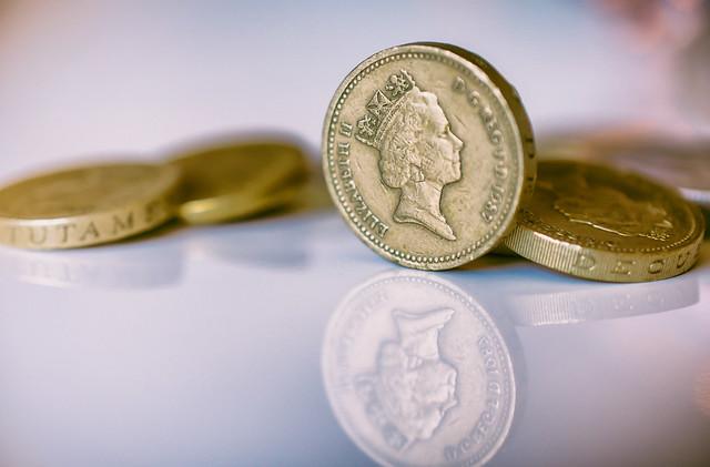 【男女別】27歳の平均貯金額・中央値・貯金がない人はどれくらいいる?