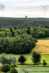Lehesten Ortsausgang (zimmermann8821) Tags: altvaterturm aussichtsturm berge bismarckturm deutschland feld gebäude landwirtschaft lehesten07349 naturlandschaft ortschaft sommer wetzstein wiese