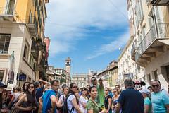 (cjam_1974) Tags: 2016 5septiembre italia verona turismo grupo group city street