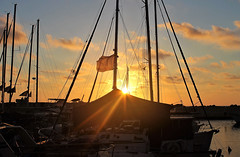 Sun Kiss Good Night (Photogioco) Tags: jaffa old port fishermen seaview mediterraneansea mediterraneo mare sunsets gold orange sunkiss barche boats lifestyle