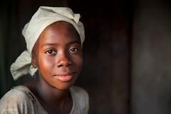 Young Girl in Serabu (Miro May) Tags: afrika africa afrique sierraleone serabu girl portrait travel people