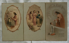 (Old Paper Perfume) Tags: vintage paper communion cards holy card jesus saints ephemera antique illustrations angels angeles virgen santos iglesia church blessed 1930s craft supplies altered art collectible tags artdeco