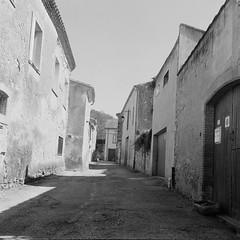 Shadow (davidgarciadorado) Tags: hautegaronne vilage street shadow rolleiflex plannar kodak trix france populararchitecture volumes geometry