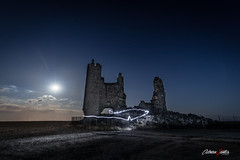 Lightpainting en Caudilla (adrivallekas) Tags: canon canoneos5d canoneos5dmarkiv canoneos light lightpainting moon night nightphotography luna fotografíanocturna noche luz castle castillo castillalamancha castilla caudilla led longexposure dark darknes oscuridad stars skies sky summer verano estrellas cielo nubes campo mistery fields rocks wideangle granangular nature naturaleza landscape paisaje outdoor airelibre countryside rural blue black moonlight moonlightshadow lines ruined abandoned