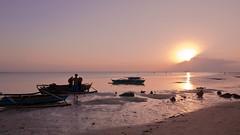 Sunset at the shore (315Edith) Tags: canon 70d fisherman fishingboats settingsun foreshore seaside sanandrescatanduanes philippines