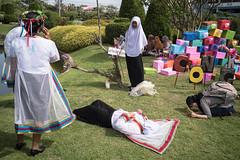 * (Sakulchai Sikitikul) Tags: street snap streetphotography summicron songkhla sony a7s 35mm thailand graduate muslim islamic