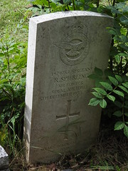 Monmouth Cemetery, Osbaston Road, Monmouth 12 July 2017 (Cold War Warrior) Tags: sergeantraymondspierling raf rafvr royalairforce 101squadronraf ww2 airbomber cwgc taphology cemetery graveyard monmouth monmouthshire